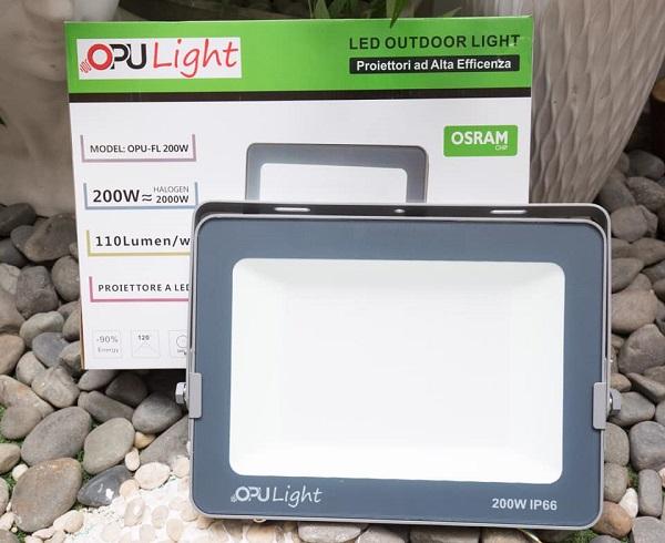 Đèn pha Led thiết bị chiếu sáng sân tennis hiệu quả