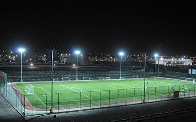 Lựa chọn đèn Opulight cho sân bóng